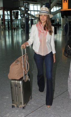 Jessica Alba has perfected the airport look